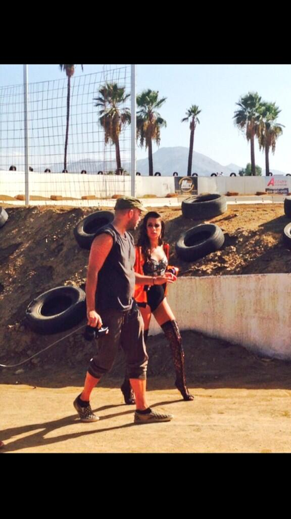 Lea Michele twittert vom Fotoshoot (Quelle: Twitter)