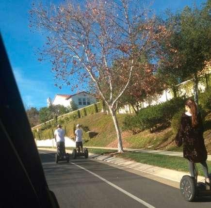 Selena Gomez und Justin Bieber beim Segwayfahren
